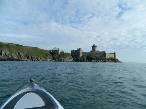 kayak vers le fort lalatte (4)